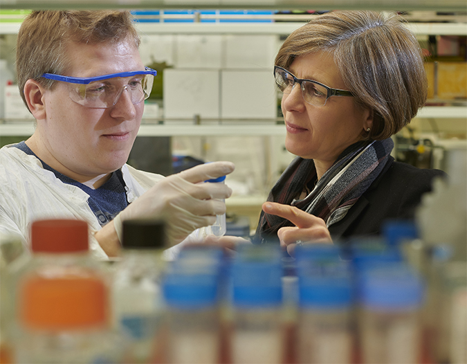 Jean Schaffer (right) with staff scientist Robert Crowder
